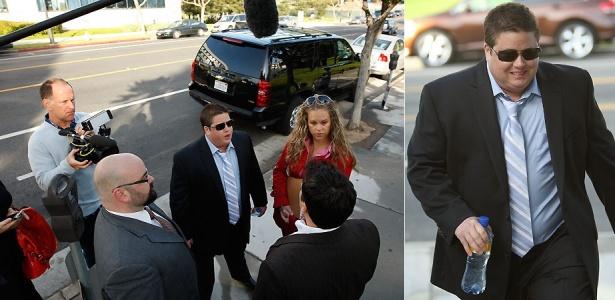 Chaz Bono, a filha de Cher e Sonny Bono, chega a um tribunal de Santa Monica, na Califórnia, para pedir formalmente ao juiz que mude seu nome e sexo (6/5/2010)