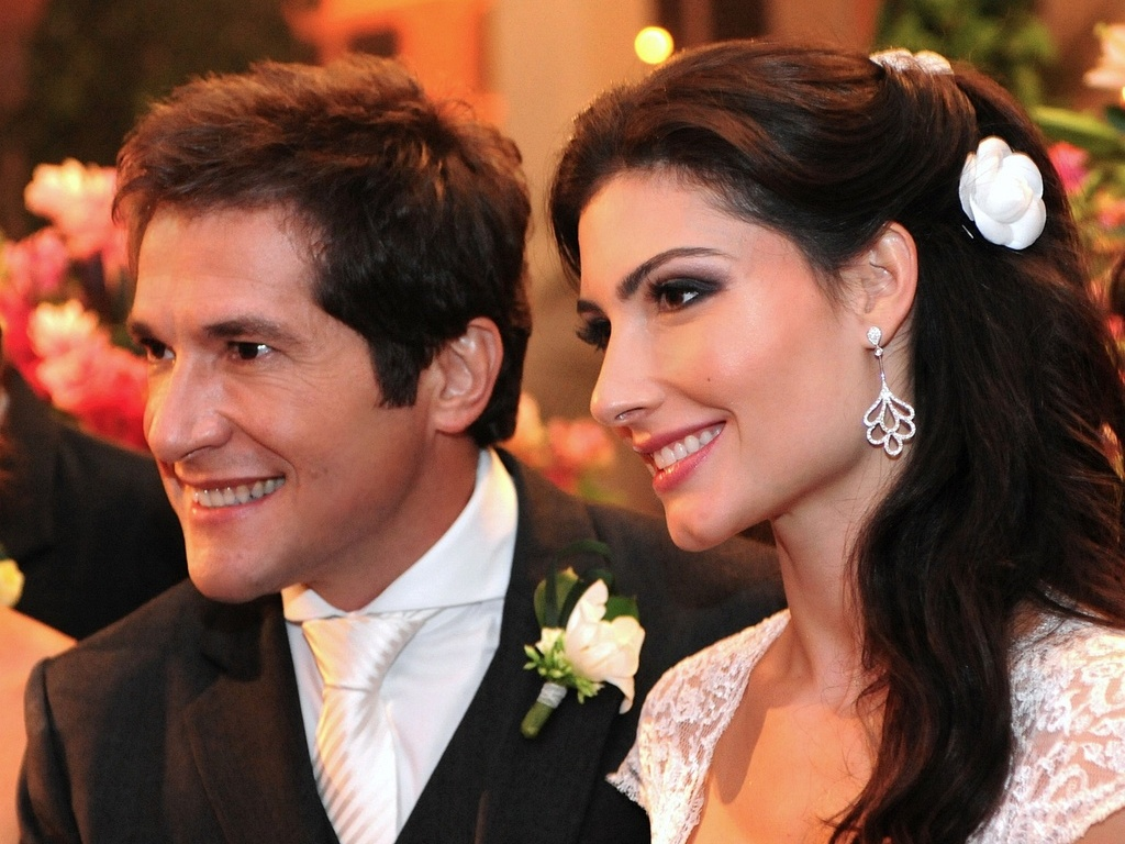 Foto do cantor Daniel e Aline de Pdua durante o casamento em um espao de festas em Jundia (12/5/2010)