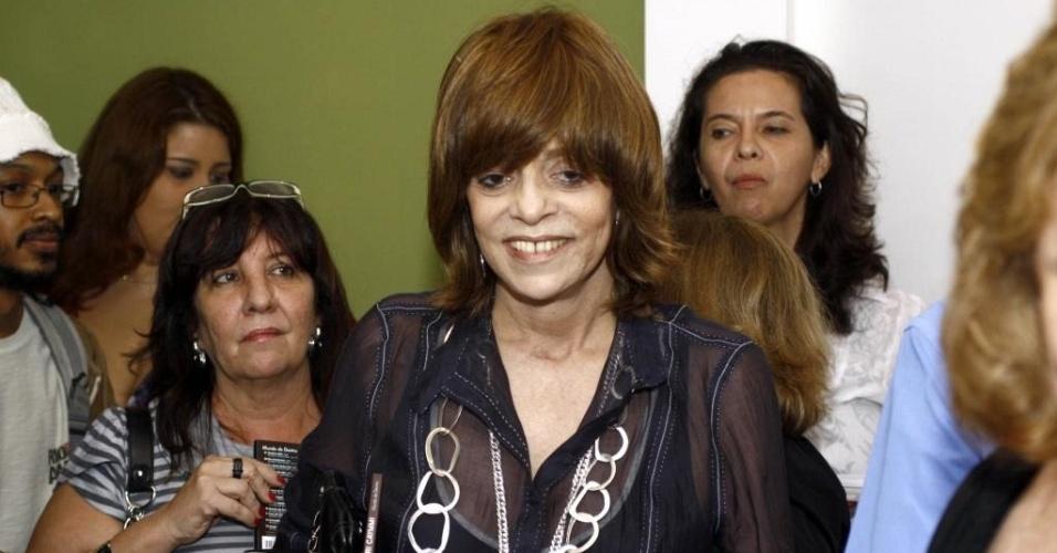 Glória Perez vai a show de lançamento de CD no Rio de Janeiro (29/4/10)