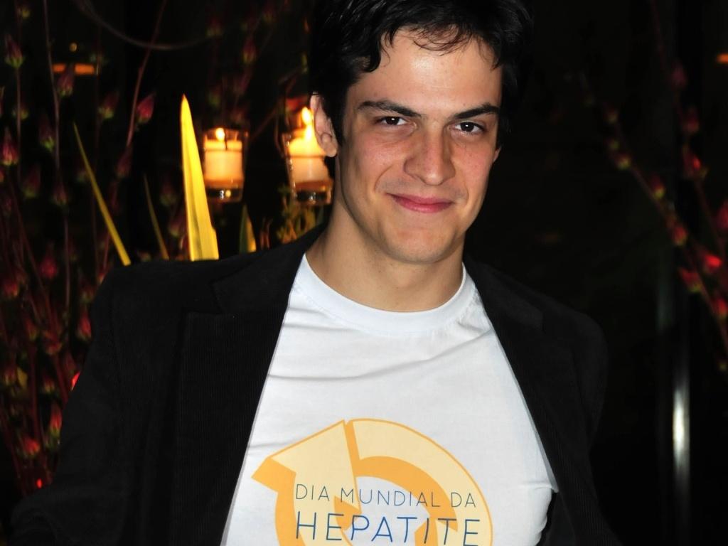 Mateus Solano participa de campanha contra Hepatite C em São Paulo (18/5/2010)