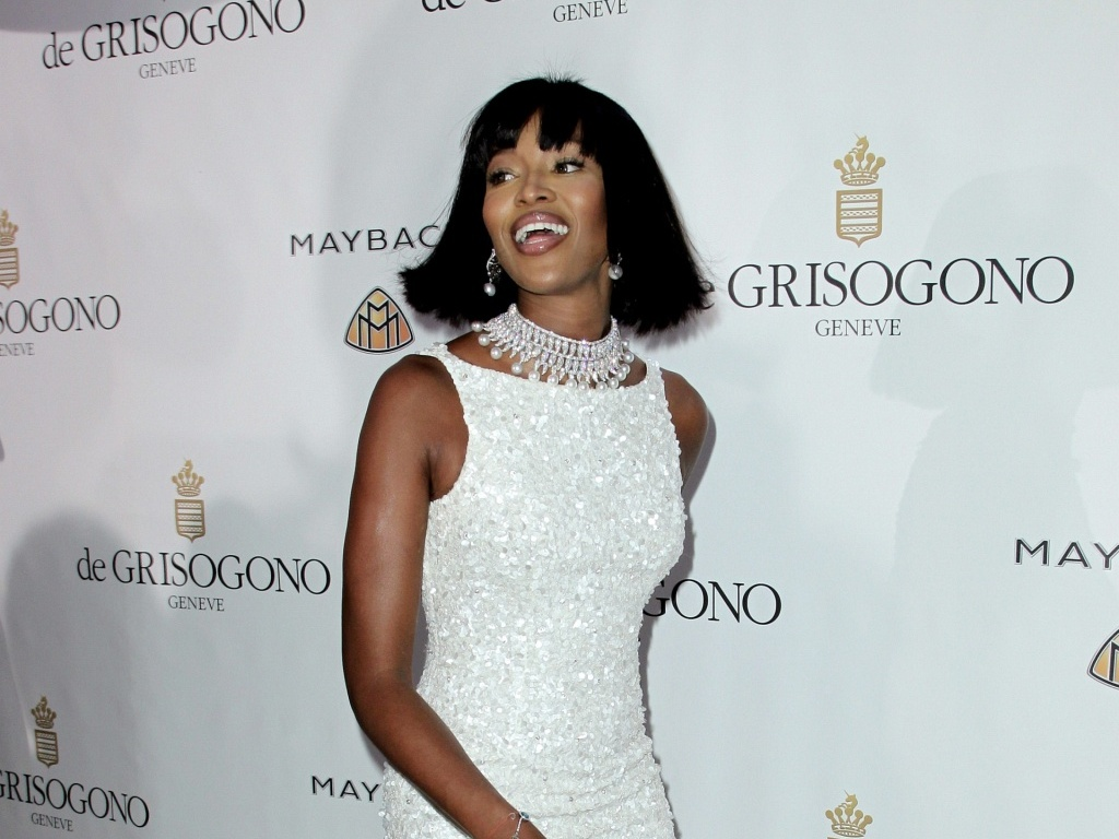 A modelo Naomi Campbell no tapete vermelho da festa de uma marca de jias no Hotel Du Cap em Cap D'Antibes, durante o Festival de Cannes (18/5/2010)
