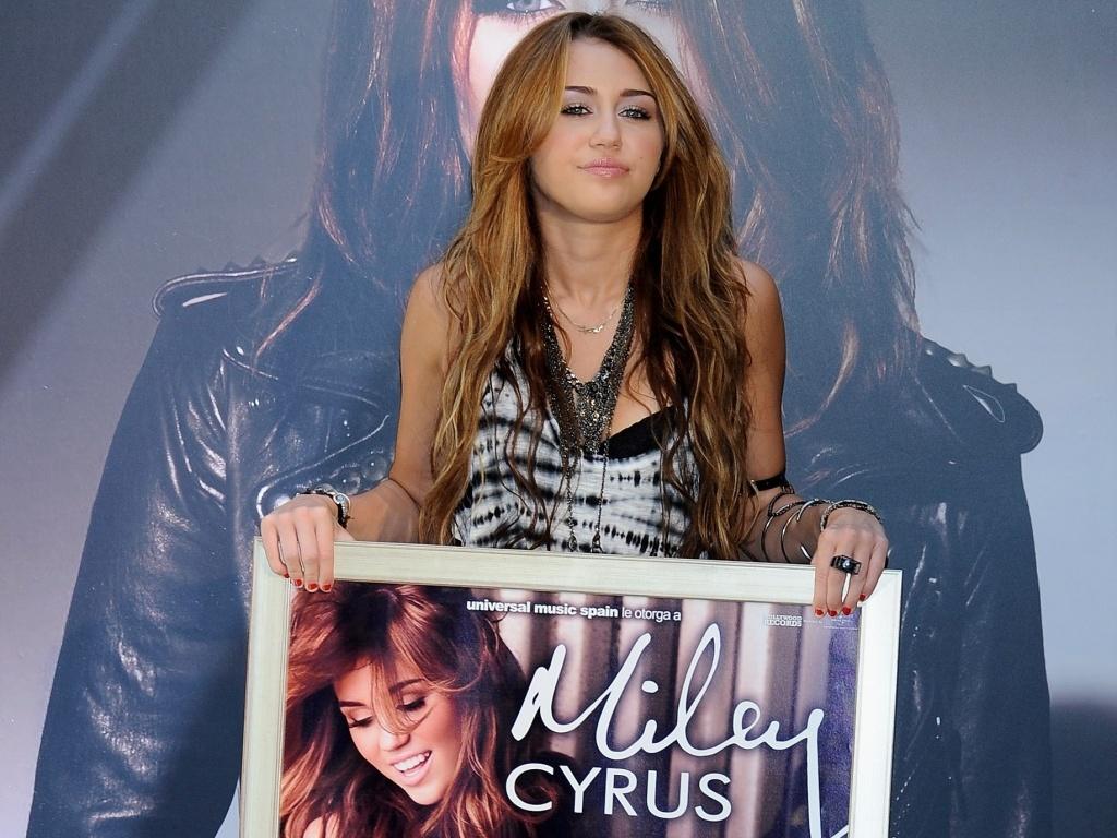 Miley Cyrus apresenta seu novo álbum em Madri (31/5/2010)