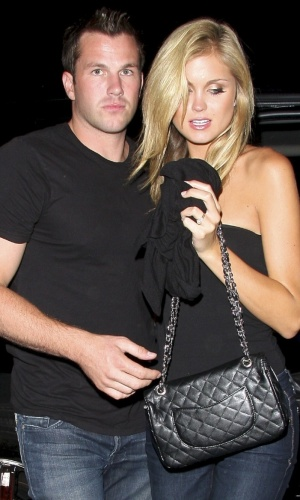 Doug Reinhardt e a namorada, Miss EUA 2008, Lane Lindell chegam a clube noturno em West Hollywood (3/6/2010)