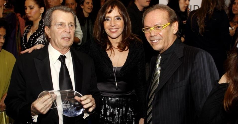 Da esquerda para a direita, Daniel Filho, Olívia Byington e José Wilker no Grande Prêmio do Cinema Brasileiro, no Rio (8/6/10)