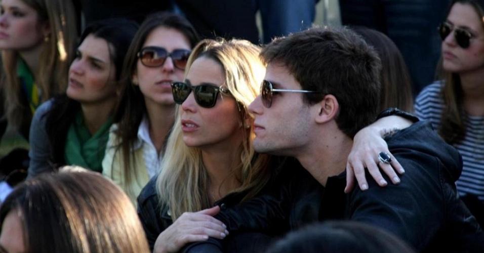 Danielle Winits e Jonatas Faro em evento no Jockey Club de São Paulo (15/6/10)
