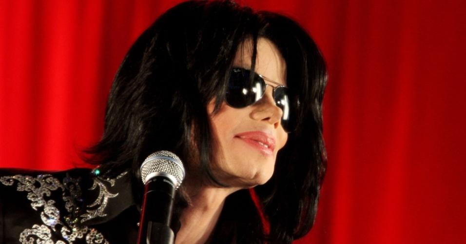 O cantor Michael Jackson anuncia sua série de shows em no 02 Arena, em Londres (5/3/2009)
