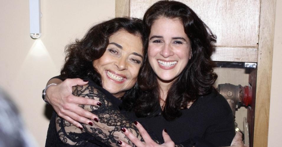 As atrizes Betty Faria e Lúcia Veríssimo na pré-estreia da peça