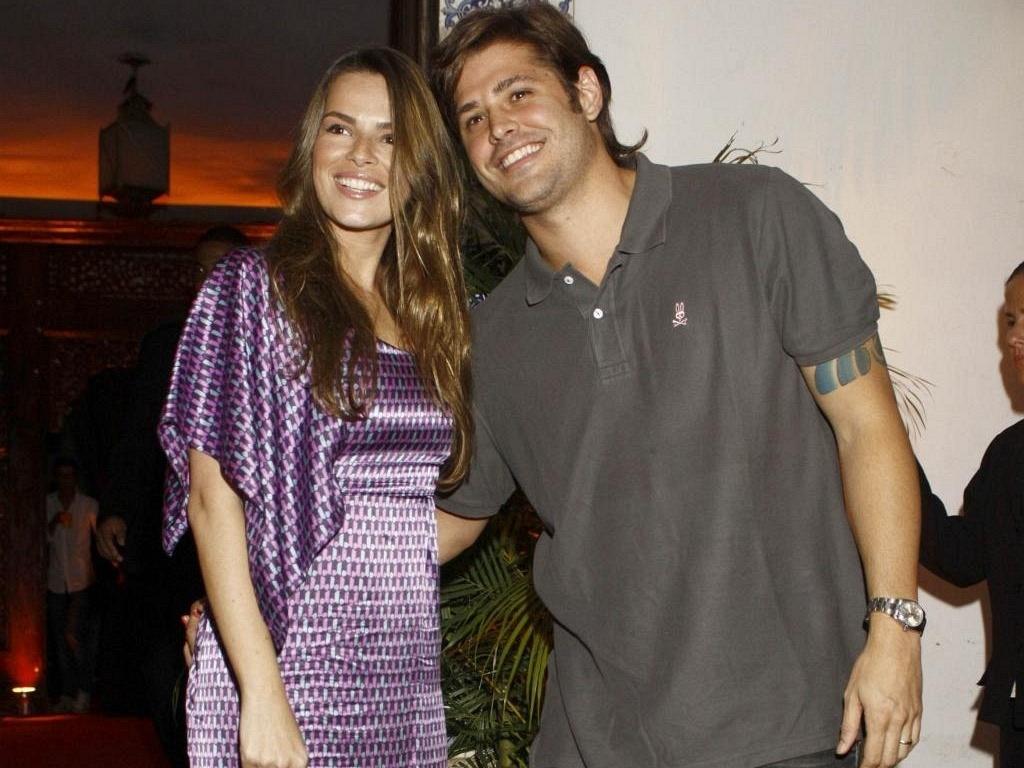 Viviane Sarahyba e Dado Dolabella no aniversário da promoter Carol Sampaio, no Rio (12/3/10)