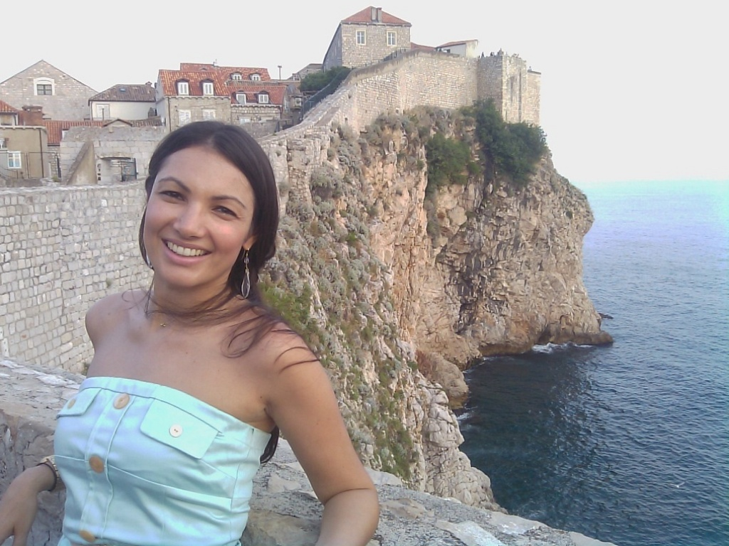 Patrícia Poeta posa para foto em Dubrovnik, na costa da Croácia (19/7/10)