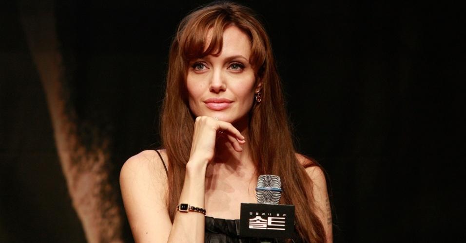 A atriz Angelina Jolie em coletiva de imprensa de