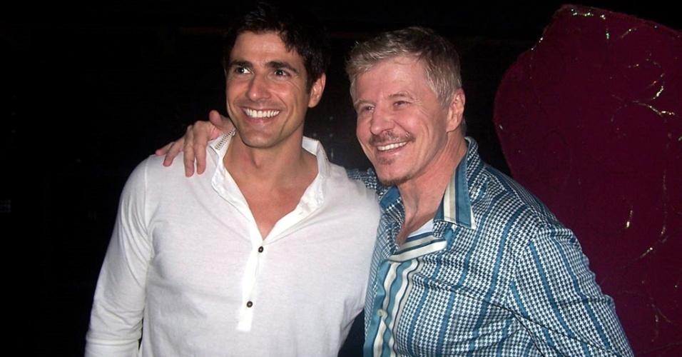 Reynaldo Gianecchini vai à peça estrelada por Miguel Falabella, no Rio (30/7/2010)