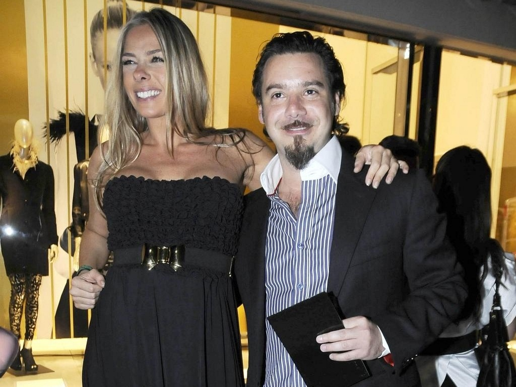 Adriane Galisteu e Alexandre Iódice durante lançamento da coleção de inverno 2010 da Iódice, em São Paulo (15/4/10)