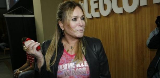 A atriz Susana Vieira comparece à volta de Cissa Guimarães ao trabalho na peça