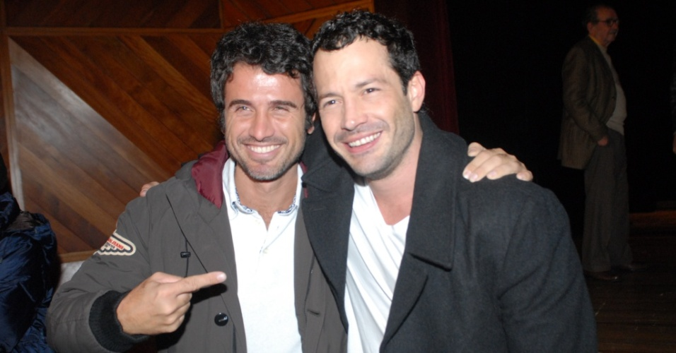 Malvino Salvador estreia espetáculo com famosos na plateia, em São Paulo (14/08/2010)
