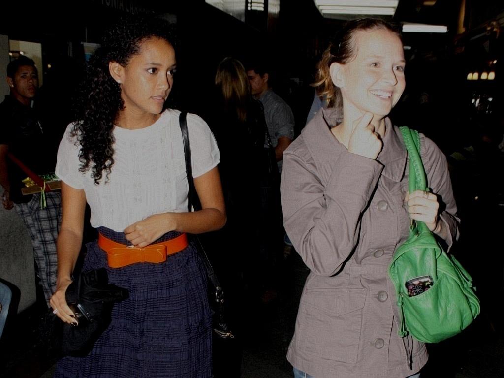 Taís Araújo e Fernanda Rodrigues prestigiam Cissa Guimarães no teatro no Rio de janeiro 920/8/2010)