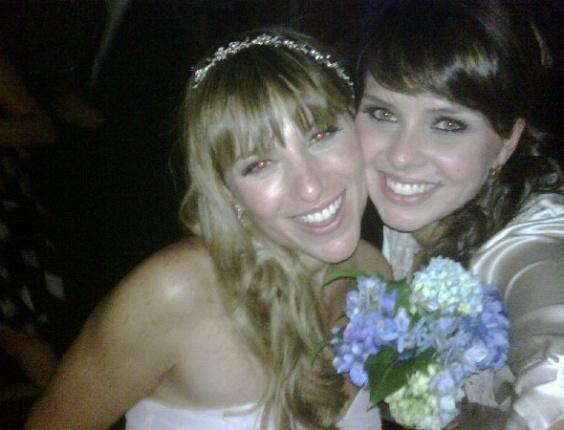 Dani Freitas Esq Em Seu Casamento Pedro Queirolo Na Foto