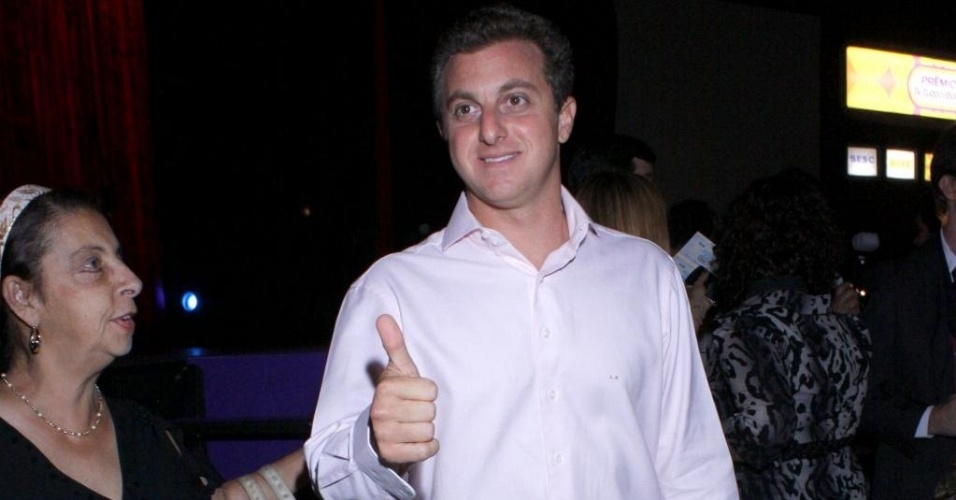 Luciano Huck vai ao 4º Prêmio Tudo de Bom, no Rio de Janeiro (1/9/10)