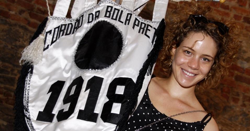 Leandra leal comemora seu aniversário no Cordão da Bola Preta (04/09/2010)
