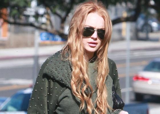 Lindsay Lohan vai a tribunal para conversar com oficial de condicional em Santa Mônica (10/09/2010)