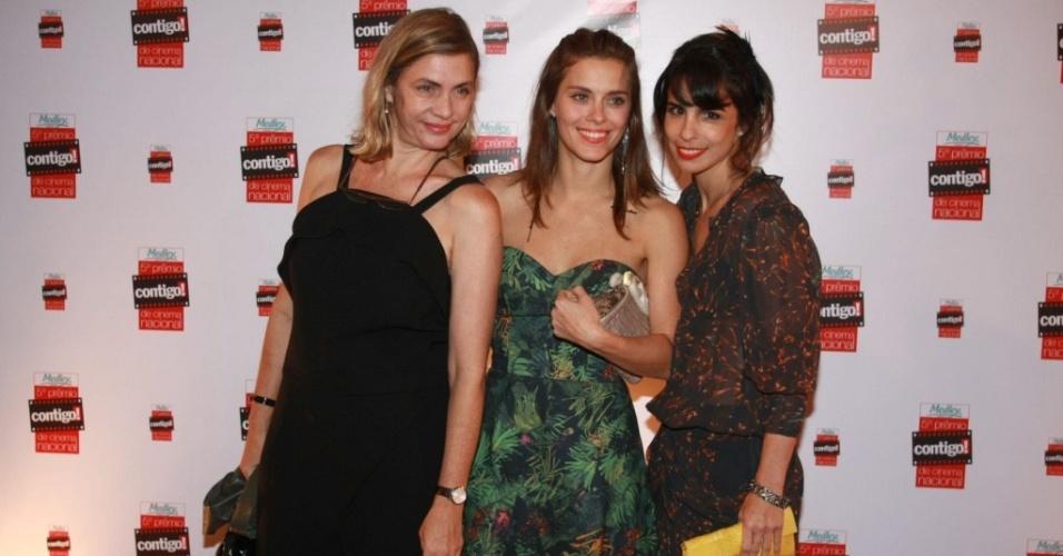 Carla Camurati, Carolina Dieckmann e Maria Ribeiro no tapete vermelho do 5º Prêmio Contigo! de Cinema, no Teatro Tom Jobim, no Rio de Janeiro (13/9/10)