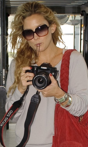 Kate Hudson no aeroporto de Heathrow em Londres (13/9/2010)
