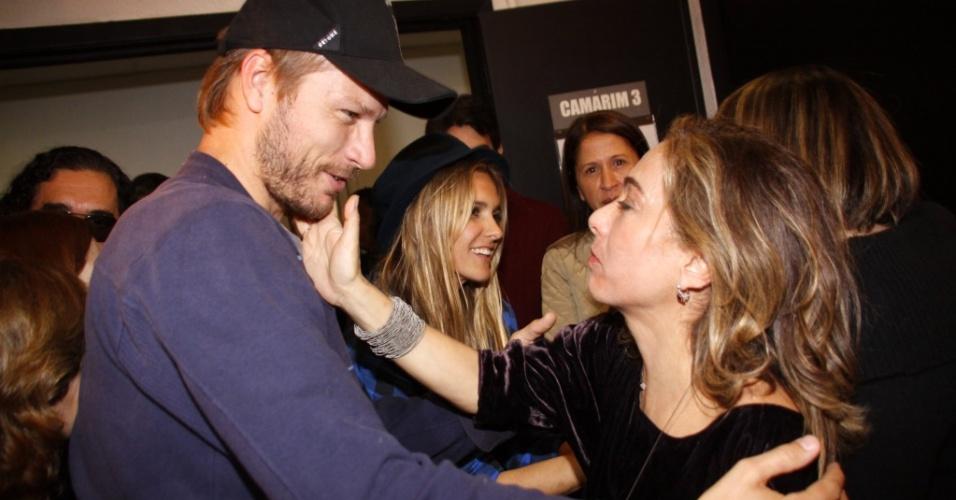 Fernanda Lima e Rodrigo Hilbert vão ao show de Rita Lee no Rio, o ator cumprimenta Cissa Guimarães (18/09/2010)