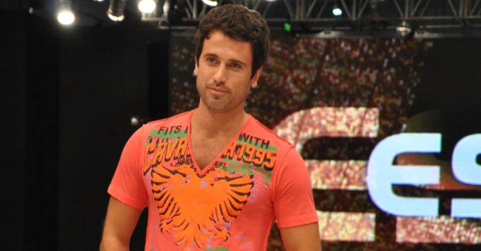 Eriberto Leão desfila em São José dos Campos e diz que o nome de seu filho será João (2/09/20100