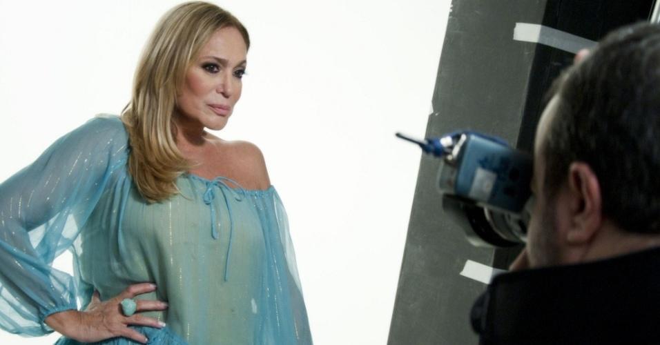 Susana Vieira posa para o fotógrafo Rodrigo Lopes para a capa de seu CD (30/9/10)