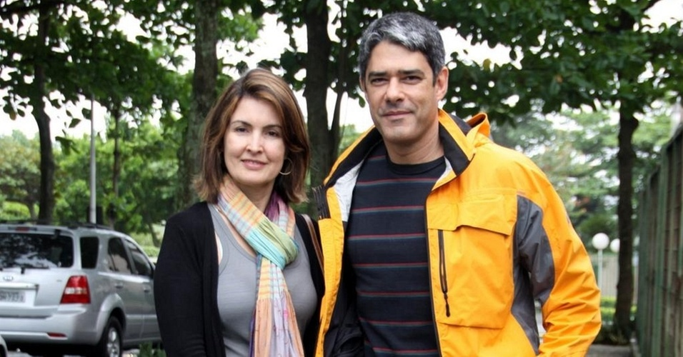 Fátima Bernardes e William Bonner votam na Barra da Tijuca, zona oeste carioca (3/10/10)