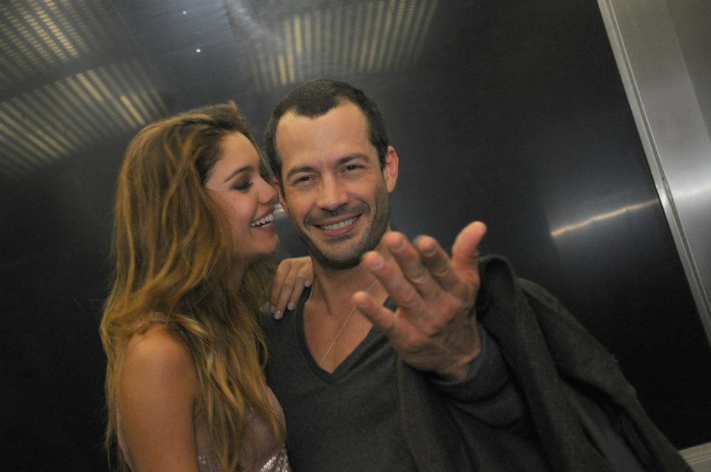 Sophie Charlotte e o namorado Malvino Salvador aproveitam festa da revista