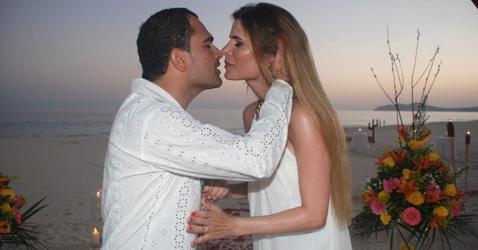 Luciano e Flávia renovam os votos de casamento em Los Cabos, no México (6/10/10)