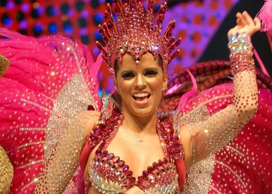Renata Santos, rainha de bateria da Mangueira, grava vinheta de Carnaval da Globo (9/11/10)