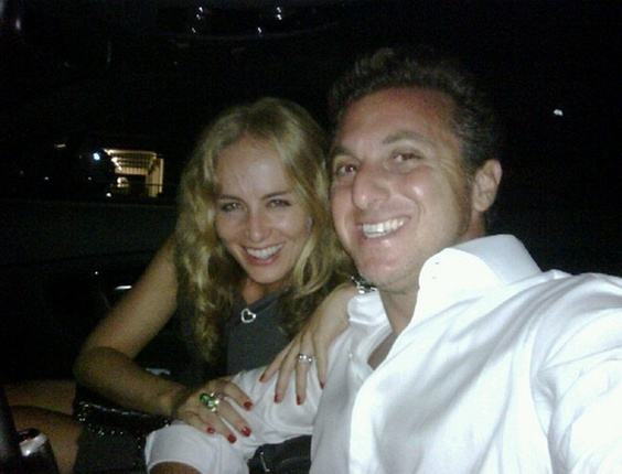 Anglica e Luciano Huck em Miami (30/11/10)