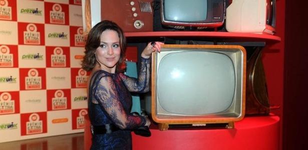 A atriz Gabriela Duarte posa para foto no Prêmio Extra, na casa de shows Vivo Rio, na zona sul carioca (7/12/10)