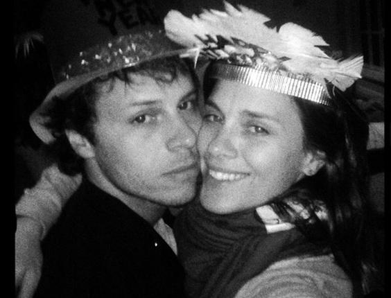 Carolina Dieckmann comemora a virada do ano ao lado do marido, Tiago Worcman (31/12/2010)