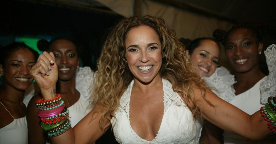 Daniela Mercury antes de subir ao palco para cantar no Réveillon de Copacabana, no Rio (31/12/2010)