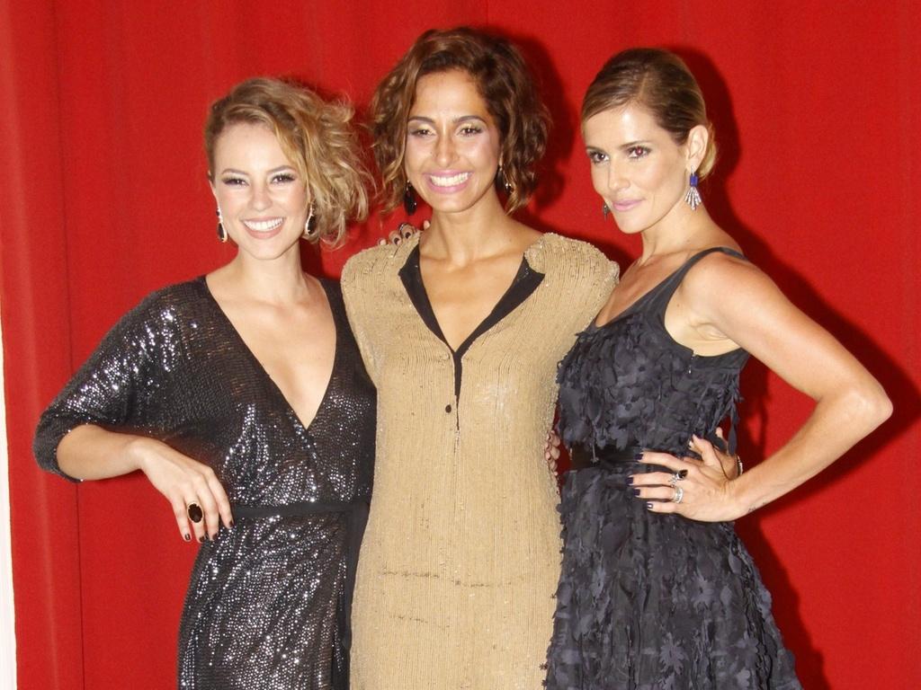 Paola Oliveira, Camila Pitanga e Deborah Secco na festa de Insensato Coração