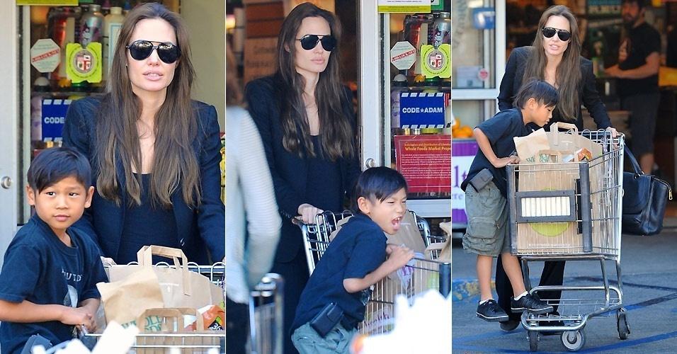 A atriz Angelina Jolie e o filho Pax são fotografados na saída de um supermercado em Studio City, na Califórnia (19/1/2011)