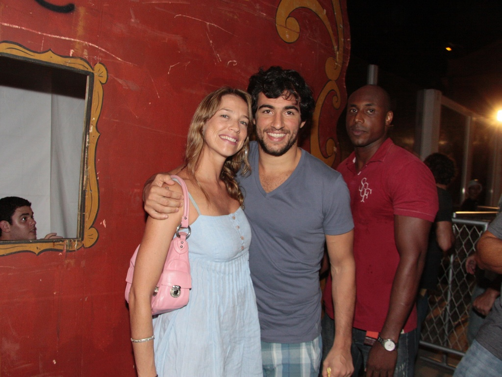 Luana Piovani e Felipe Simo vo  festa no Per Mau, Rio de Janeiro (21/01/2011)