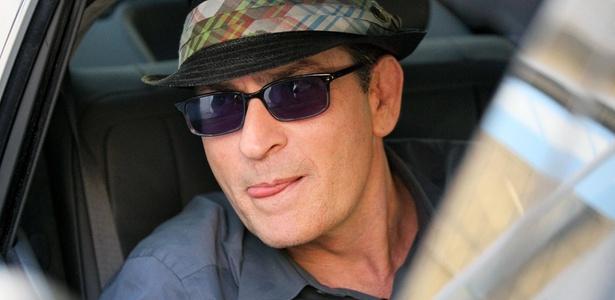 O ator Charlie Sheen em um estúdio em North Hollywood, na Califórnia (28/10/2010)