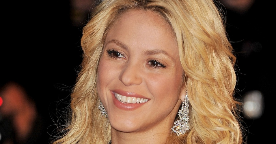 Shakira no NRJ Music Awards 2011, em Cannes (22/1/2011)