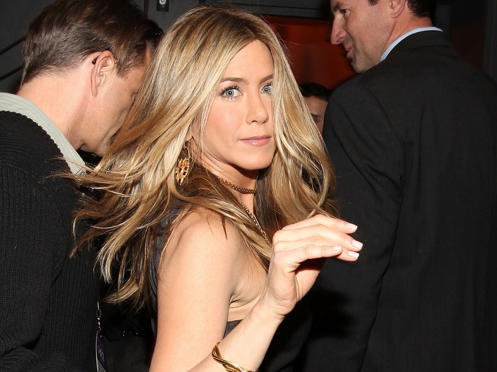 Jennifer Aniston nos bastidores do People's Choice Awards em Los Angeles (5/1/2011)