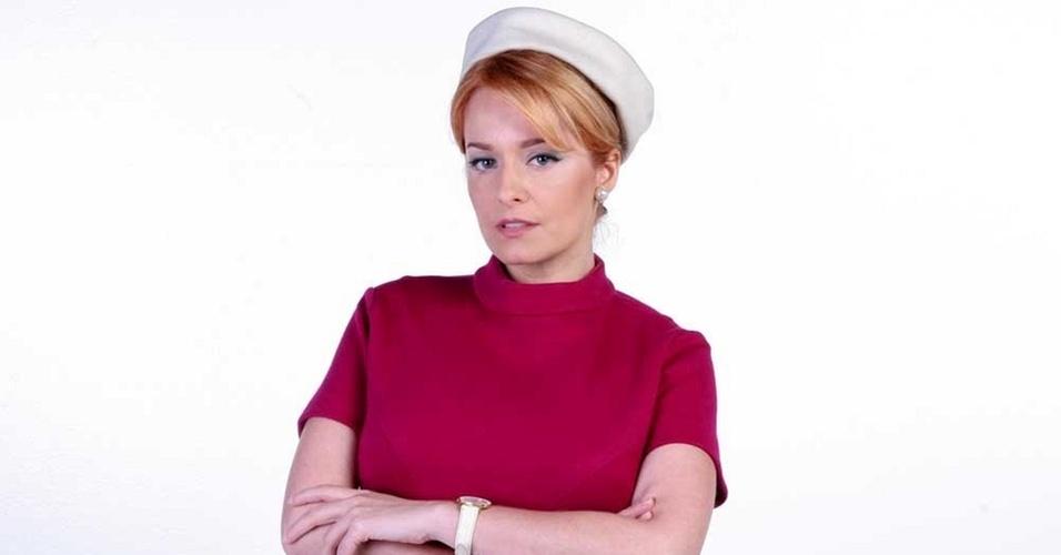 A atriz Luciana Vendramini muda o visual para novela do SBT (fevereiro/2011)