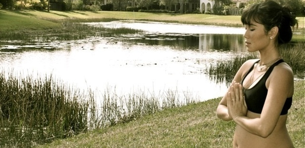 Daniele Suzuki posta foto grávida em seu blog (21/2/11)
