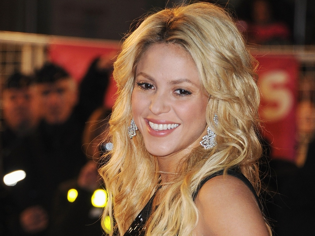 Shakira no NRJ Music Awards 2011 em Cannes (22/1/2011)