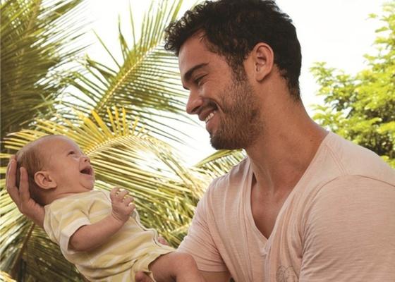 """Sidney Sampaio mostra o filho Leonardo à revista """"Contigo!"""" (23/2/2011)"""