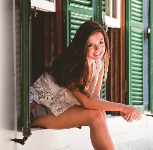 """Giovanna Lancellotti durante ensaio fotográfico para a revista """"Contigo!"""" (2/3/2011)"""