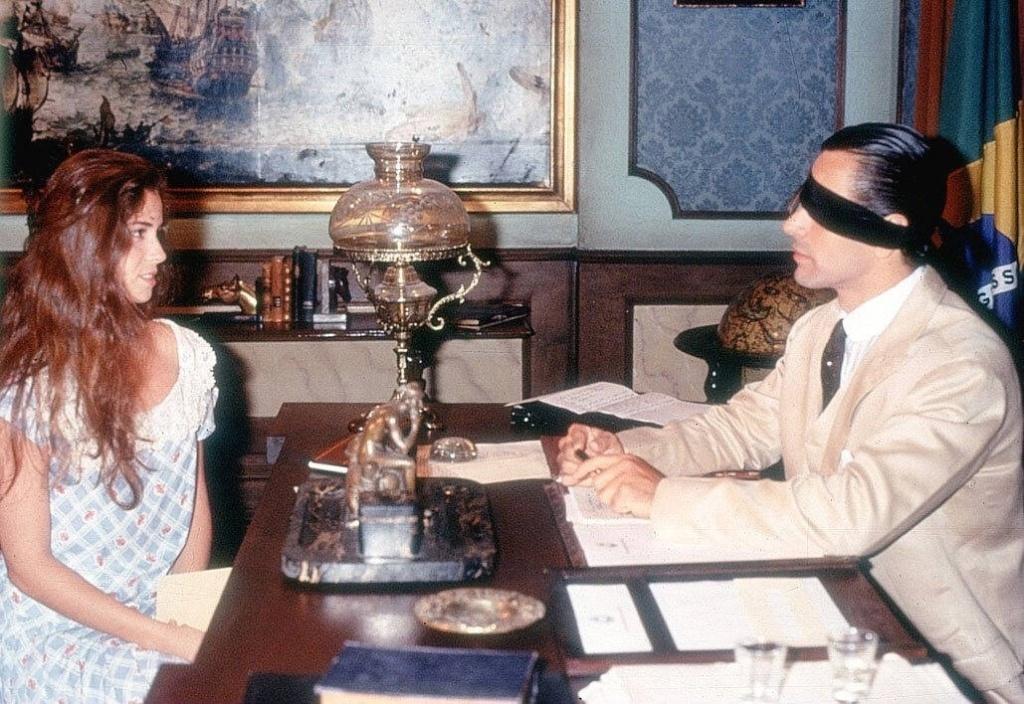 Giovanna Antonelli e Victor Wagner em cena de Tocaia Grande (14/4/96)