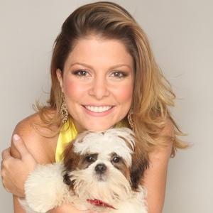 http://m.i.uol.com.br/celebridades/2011/03/17/barbara-borges-posa-com-cachorrinho-para-campanha-publicitaria-17311-1300389916389_300x300.jpg