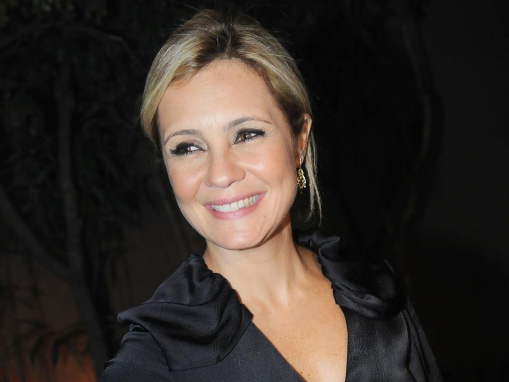 Adriana Esteves na festa de lançamento da novela